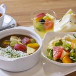 東京桃果 フルーツ ガーデン - フルーツカレー&サンドランチ