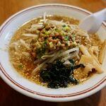あかしや - 料理写真:ごま納豆ラーメン 750円