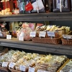 Saint-Louis - 焼き菓子も豊富