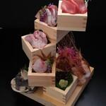 板前寿司 離れ個室 - 板前タワー 旬の刺身盛り合わせ