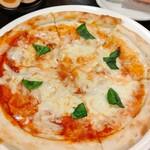 新宿かっぱ - マルゲリータ 480円  ピザはピザ屋に限るね