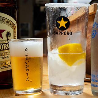 鮮魚とよく合う日本酒を厳選。名物の「レモンサワー」にも注目◎