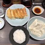 宇都宮みんみん - 焼き餃子と水餃子一人前+ライスセット