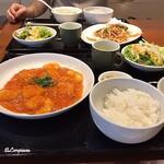 中国料理 空 - 豚肉とジャガイモの細切り炒めと乾燒蝦仁と
