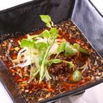 旬菜中華 凛花 - 料理写真:黒旨味濃厚すりごま黒タンタン麺