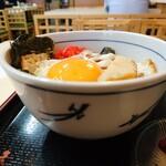 東京庵 - 目玉焼き丼