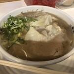 博多・薬院 八ちゃんラーメン - 料理写真: