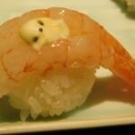 Nanairotemariuta - 甘海老ガーリックマヨ  とんぶり添え(七色てまり寿司 五色盛り合わせ)