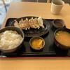 都賀西方パーキングエリア(下り)レストラン・スナックコーナー - 料理写真:焼き餃子定食