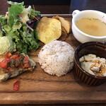 オルケスタ - 炭火焼真鯛のトマトソースプレート