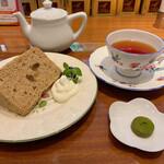 リンクス紅茶と洋酒の店 - ニルギリとシフォンケーキ