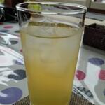 石窯カフェ ヤマト - 100%リンゴジュース