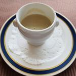 ル・トリアノン - 得した気分のキノコのスープ