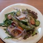 イタリアン食堂 NUKUNUKU - サラダ