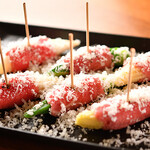 ビストロ ル フルール - 季節野菜を巻いた和牛のカルパッチョ