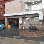上々家 - 駐車場
