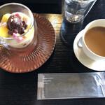 cafe空 - コーヒーと甘酒あんみつとオシボリ。和モダンだなぁ。