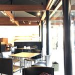 cafe空 - コレは和モダンな店内がうまく撮れたかな?
