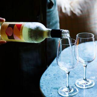 厳選したワインと、九州の日本酒や焼酎も!