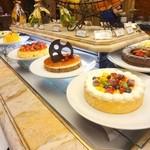 スプレンディード - ポルトフィーノ(¥3,600)だと、ケーキも食べ放題。