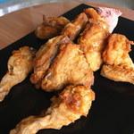 ケンタッキーフライドチキン - 立体感。やはり鶏である。