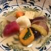 粟 - 料理写真:季節の野菜の炊き合わせ:南瓜、紅くるり大根、こんにゃく、人参、紫玉ねぎ、凍り豆腐、レッドムーン、粟餅の素揚げ