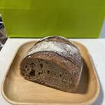 137595713 - ライ麦パン