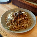 マルキ - 料理写真:焼きそば  ソース  ( 大盛・目玉焼き・肉かす )
