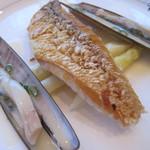 ル・クープル - 甘鯛の松笠 マテ貝のバターソース