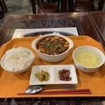 137611549 - ランチメニューの麻婆豆腐セット('20/09/30)