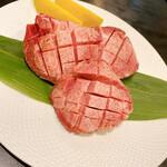 肉匠 紋次郎 -