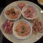 豚風 - おまかせホルモン6種盛り(\1500)