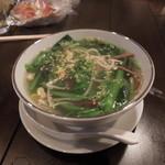 豚風 - 野菜スープ(\450)