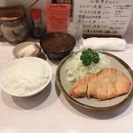 丸栄 - ランチかつ定食