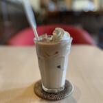 カフェ・ド・グランボワ - アイスのロイヤルミルクティー