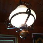 スイスレストラン アルポン - 照明です