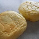 13763589 - くりーむパン