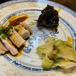 武漢熱干面 Juan - 冷菜3種 盛り