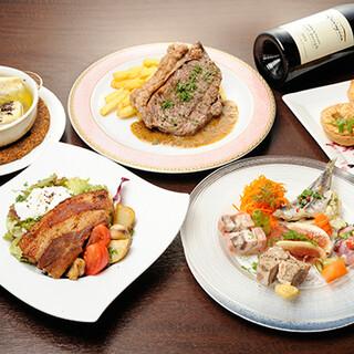 料理が選べるコースや、季節の食材を堪能するコースがオススメ