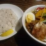 137676808 - パリパリ知床鶏と野菜のカレー