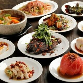 リーズナブルな小皿料理でいろいろな種類を愉しめる!