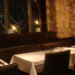 ワイン蔵で楽しむ美食 TERRA - 素敵なテーブル席も。。。