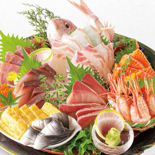 活魚や旬の食材を取り入れ、ますます華やかに!