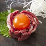 炭火焼肉 萬成館 - ハラミユッケ1,800円