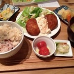 ムモクテキカフェアンドフーズ - 豆腐ハンバーグプレート
