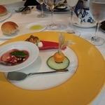 レストラン プログレ ヨコヤマ - ガスパッチョ・サバのマリネ、ホワイトアスパラ・クリームチーズとウニ