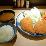 137712043 - 合い盛り定食(1430円)