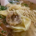 137712158 - 雲吞麺1000円