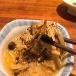 純米酒 三品 - キノコのナムル:アップ