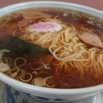 ラーメンハウス中島 - 料理写真:丼いっぱいのスープ